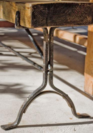 Trestle bench base