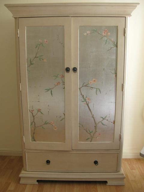 House Silva: silver leafed doors with hand painted chinoiserie