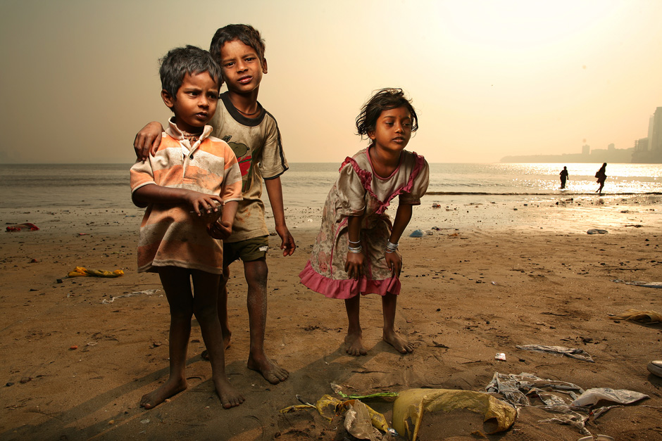 Mumbai Beach Children 1/5