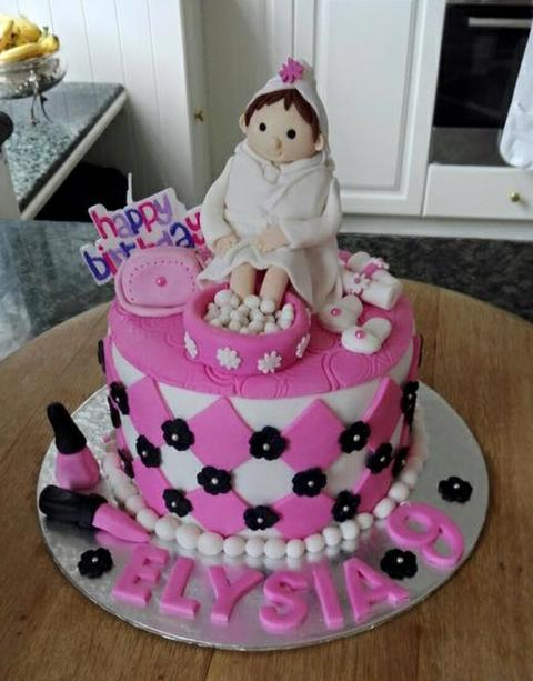 Pamper Party Cake Images : Sparkle Pamper Parties - Party Photos - Cakes and Party Eats