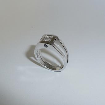thumbnail for Square set Platinum Ring with black diamonds