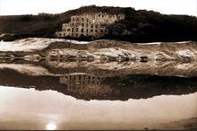 Castle on Noetzie Beach - photo, Aix Carmichele