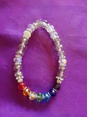 EL04 Chakra & clear beads