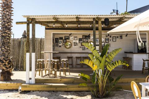grand_africa_cafe_beach_hr_exterior_8.jpg