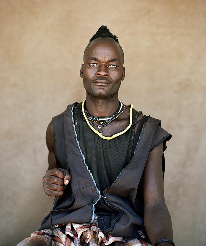 Tjivekara Hembinda, 24