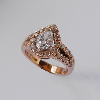 thumbnail for Pear-shape diamond ring in classic rose gold
