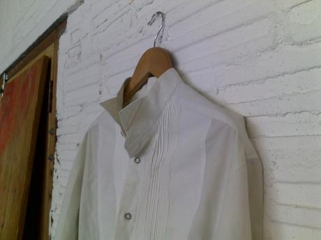 Discarded shirt used by Adriaan Kuiters for top in Image 9.