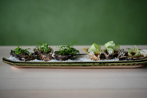 samanthaclifton-sevenrestaurant-oysters.jpg