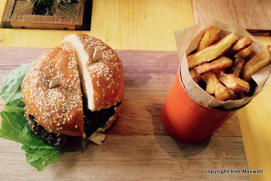 iyo_burger_2.jpg