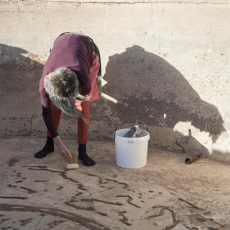 Drawing sounds into water reservoir