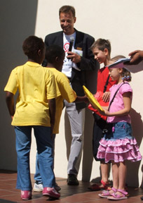 HOKISA children welcome John and Jane from England who collected toys for HOKISA at their school