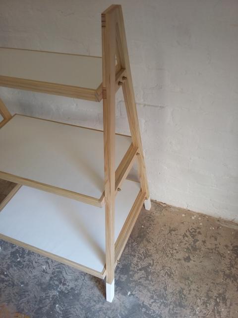 makers_union_lol_shelf_2.jpg