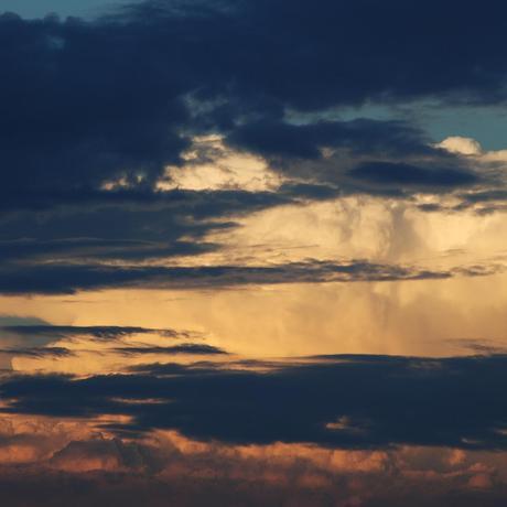 thumbnail for Cloudscape over Cape Town