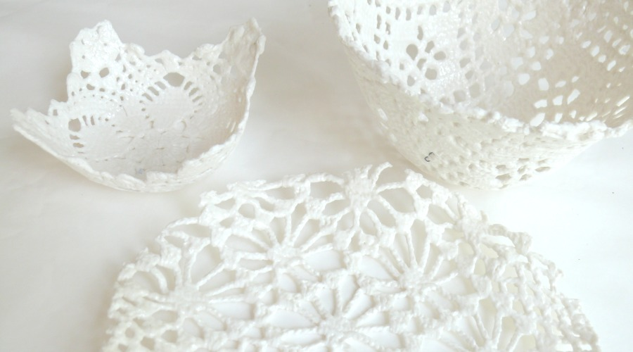 5.2  Porcelain crocheted plate and bowls.