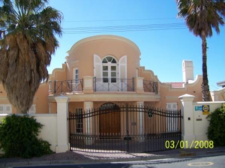 14 Medburn Rd  villa