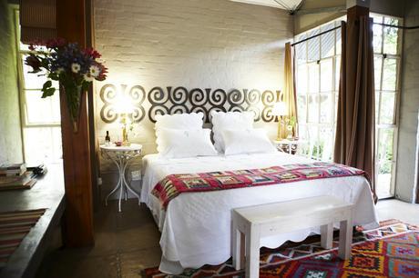 room2_bed.jpg