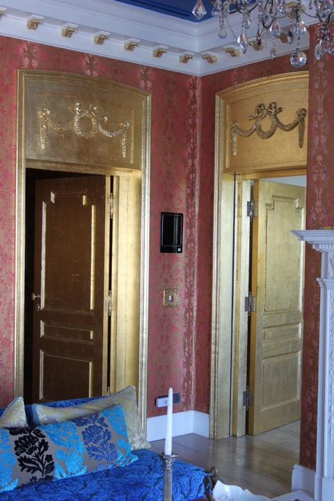 Enigma Mansion: gold leafed doors and architraves