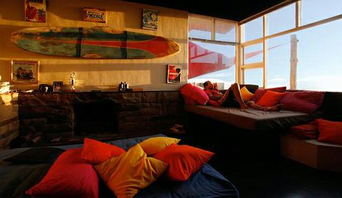 inside_beachhouse_capetown_480_wide.jpg