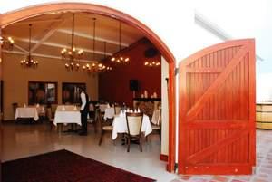restaurant_entrance_2.jpg