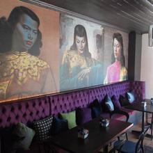 Triptych @ Charlie's Bistro & Bar