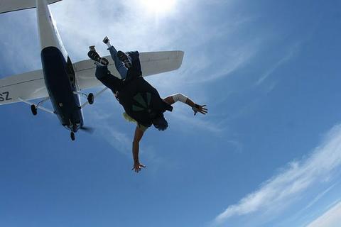 skydivenick.jpg