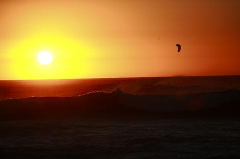 kitebeach_sunset_capetown.jpg