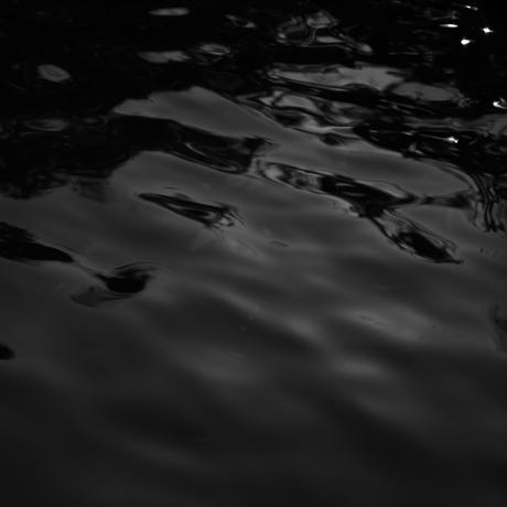Dark Water [09001BC02]