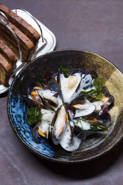 shortmarket_club_-_chardonnay_steamed_west_coast_mussels_with_celeriac_and_ham_hock_veloute_poac.jpg
